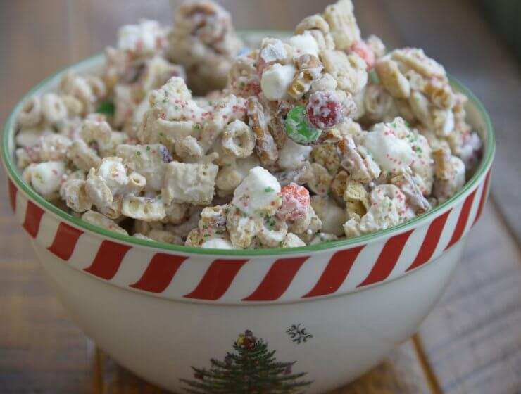 reindeer chow, party mix, easy Christmas treats